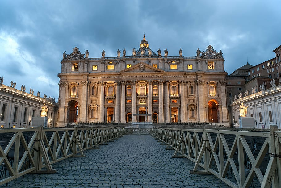 the vatican rome st pierre